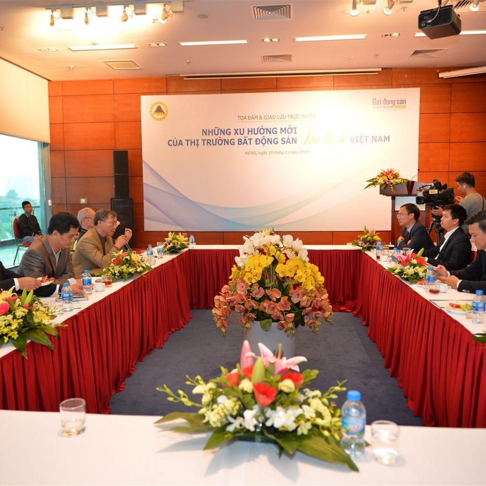 [:vi]Tọa đàm & GLTT: Những xu hướng mới của thị trường BĐS du lịch Việt Nam[:]